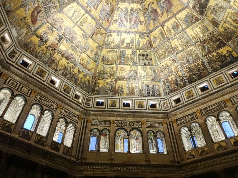 Vitrais e iluminação do Batistério