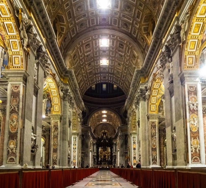 Interior - Basílica de São Pedro